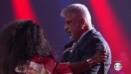 Gaby Olliver recebe convite de Lulu Santos