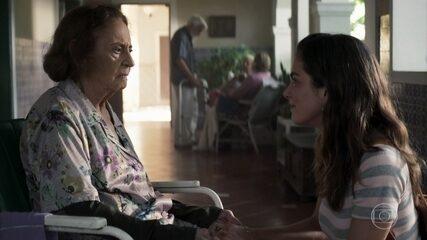 Joana visita sua avó