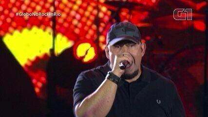 """CPM 22 e Raimundos cantam juntos """"Não sei viver sem ter você"""" no Rock in Rio"""