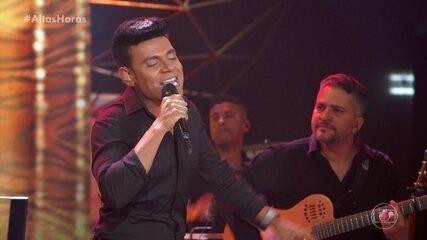 Pablo abre o Altas Horas cantando 'Bilu Bilu'