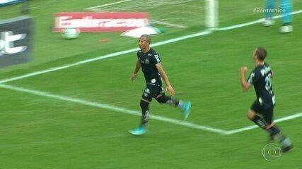 Gols do Fantástico: empate com Internacional impede Palmeiras de se aproximar do Flamengo