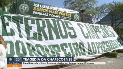 Familiares de vítimas da tragédia com voo da Chapecoense protestam em Londres