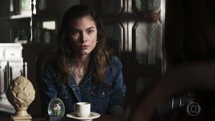 Joana é informada de que precisa retirar Matilde da clínica de repouso