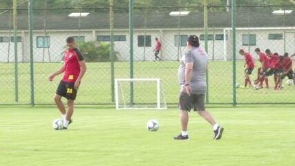 Adryelson faz treino específico de passes nesta terça-feira