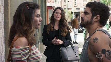 Fabiana interrompe conversa de Rock e Joana