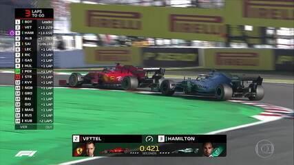 Hamilton e Vettel fazem briga muito boa pela segunda posição