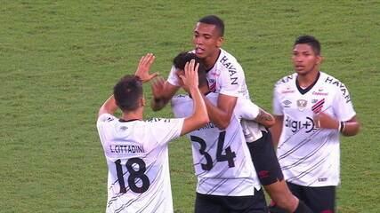Os gols de Fluminense 1 x 2 Athletico-PR pela a 26º rodada do Brasileirão