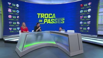 """Rodrigo Rodrigues chama intervalo para ajeitar banco e arranca risadas no """"Troca de Passes"""""""