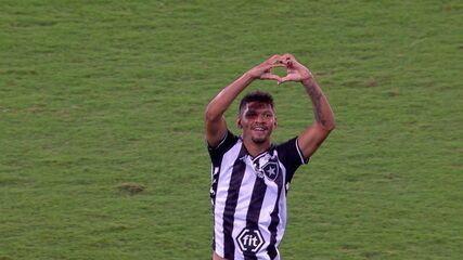 Os gols de Botafogo 2 x 1 CSA pela 27ª rodada do Campeonato Brasileiro