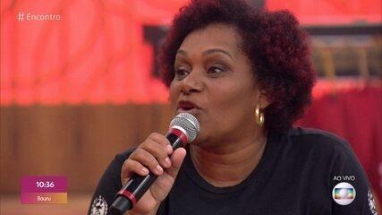 Josiane viveu 3 relacionamentos abusivos e participa de projeto para ajudar outras mulheres