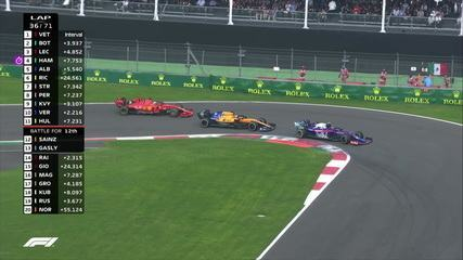 Sainz e Gasly disputam posição e quase sobra para o líder Vettel