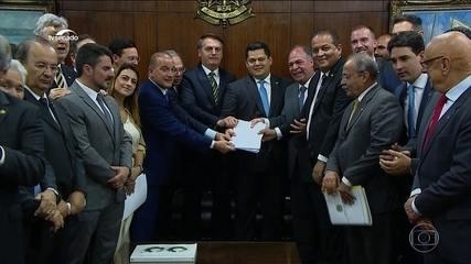 Pacote do governo flexibiliza orçamento e libera R$ 400 bilhões a estados e municípios
