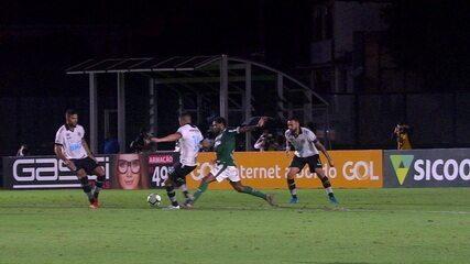 Central do Apito: Sandro Meira Ricci revê lance e aponta falta de Luiz Adriano no segundo gol do Palmeiras