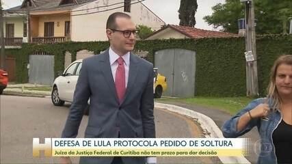 Defesa de Lula protocola pedido de soltura