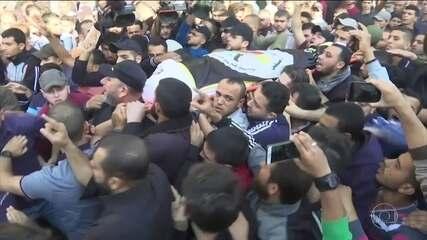 Exército de Israel mata líder militante palestino em bombardeio contra Gaza