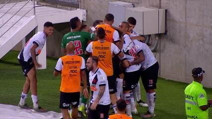 Os gols de Flamengo 4 x 4 Vasco pela 34ª rodada do Brasileirão