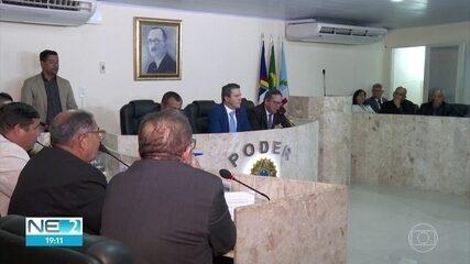 Prefeito de Camaragibe tem mandato cassado após aprovação de impeachment