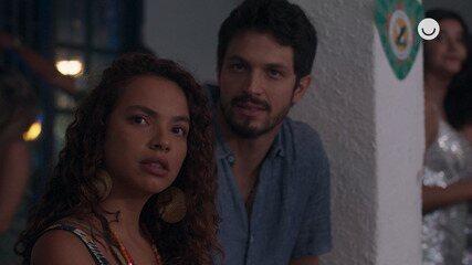 Teaser 'Bom Sucesso' 21/11: Francisca e Marcos assistem Ramon e Paloma no samba