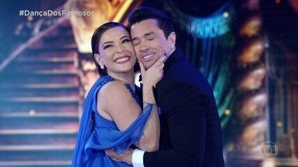 Regiane Alves dança foxtrote no 'Dança dos Famosos'