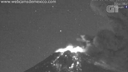 Vulcão Popocatepetl entra em erupção no México