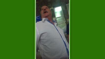 Torcedores do Cruzeiro abordam presidente do clube e ameaçam jogadores em caso de queda
