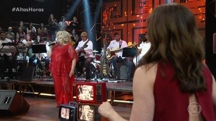 Alcione coloca todo mundo para dançar no palco do 'Altas Horas'