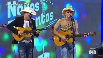 Vinícius e Venâncio cantam 'Obras de Poeta' na final do concurso Novos Talentos 2019