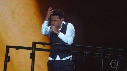 "Zezé Di Camargo & Luciano cantam ""Estrada da Vida"""