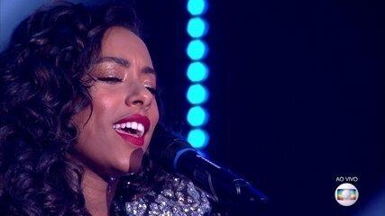 Yara Charry canta 'Non, je ne regrette rien' na final do 'PopStar'