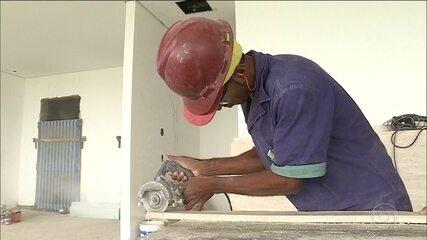 Brasileiros começam 2020 em busca de emprego