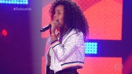 """Karen Silva canta """"Ginga"""""""