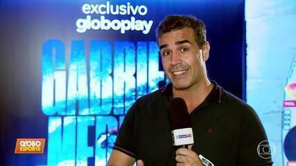 Gabriel Medina participa de lançamento de filme sobre sua carreira