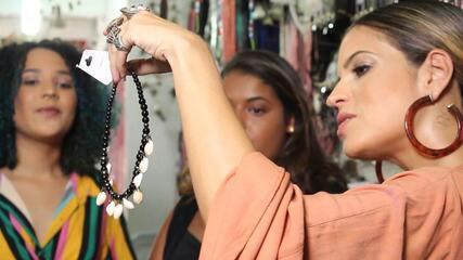 Paula Magalhães bate perna no centro de Salvador, em busca de looks para o verão