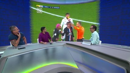 Comentaristas discutem lance polêmico de Neymar