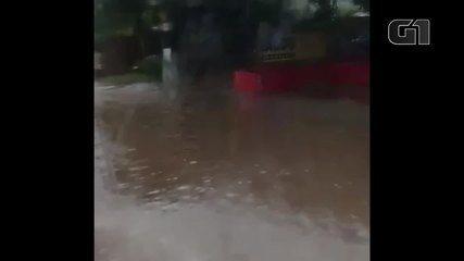 Chuva alaga Centro de São Bernardo do Campo 6 meses após prefeitura entregar piscinão