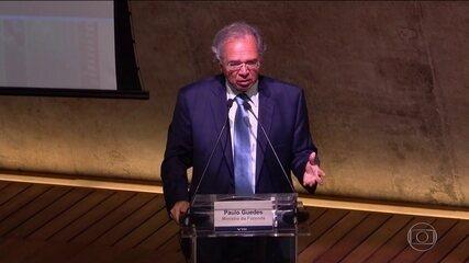 Paulo Guedes compara servidores públicos a parasitas