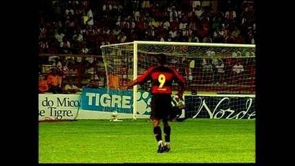 Em 2002, Sport vence o Náutico nos Aflitos pelo Nordestão