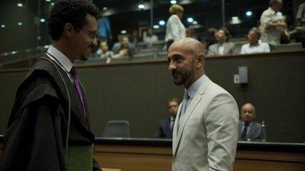 Lucas consegue suspender processo contra Álvaro