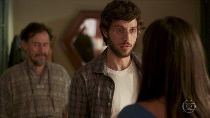 Durval revela a Danilo que Thelma tem um aneurisma