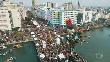 Desfile do Galo da Madrugada agita Recife por quase dez horas