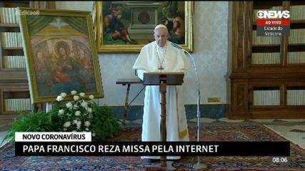 Papa Francisco reza missa pela internet por causa do novo coronavírus