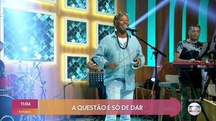 Mart'nália canta 'Pra Que Chorar'