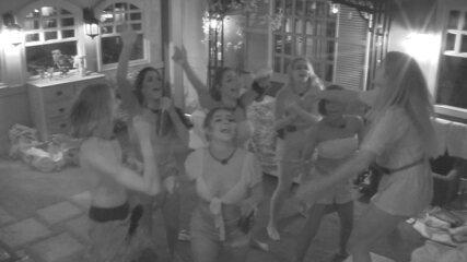 Após Festa do Líder, brothers vão para o Quarto Vila e cantam e dançam