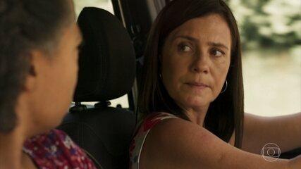 Thelma oferece dinheiro a Rita para se afastar de Lurdes