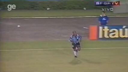 Veja lances de Ronaldinho Gaúcho em Grêmio 2x0 Chivas Guadalajara, em 1998