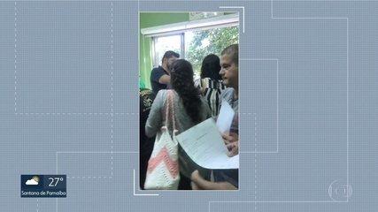 Funcionários ficam aglomerados durante rescisão de contrato em São José dos Campos
