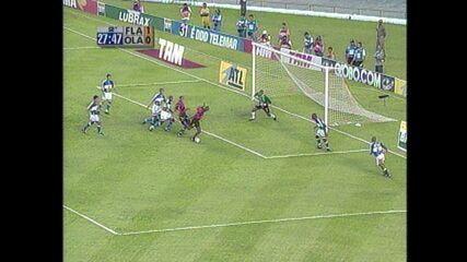 Em 2000, Flamengo vence o Olaria por 2 a 0 pelo Campeonato Carioca