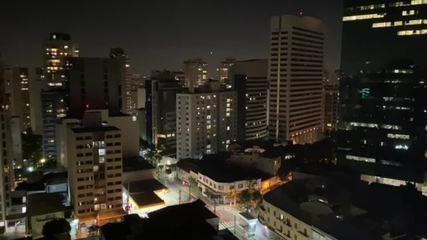 Moradores fazem panelaços contra Bolsonaro em prédios de SP