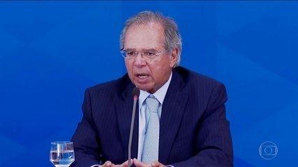 Bolsonaro sanciona ajuda emergencial de R$ 600 para trabalhadores informais