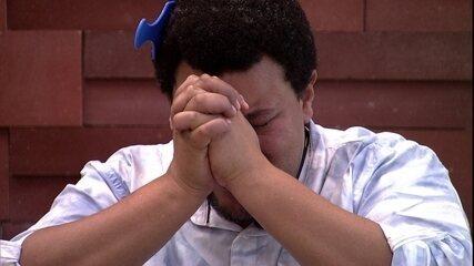Chorando, Babu agradece e desabafa: 'A batalha ainda não acabou'
